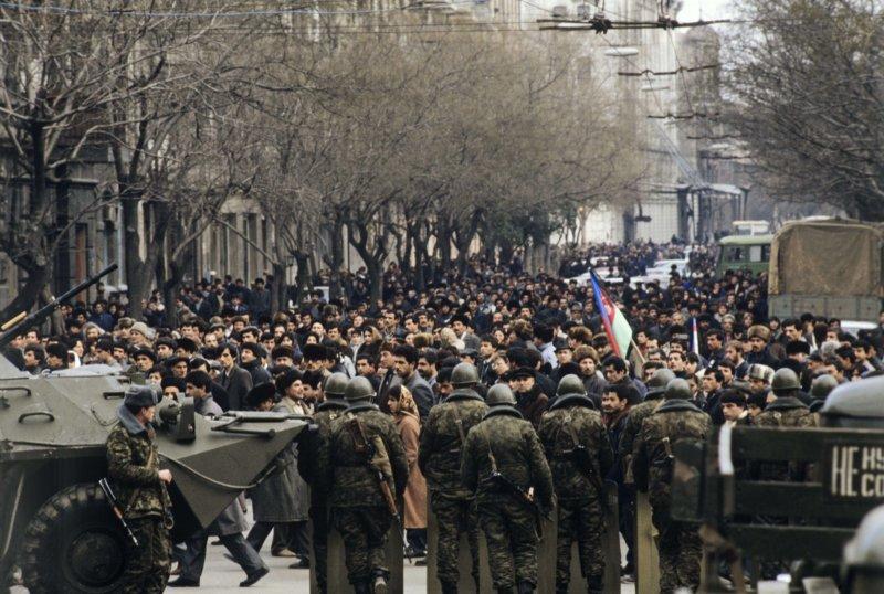 Советская армия в Баку 1990