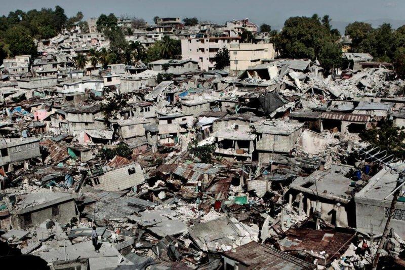 Землетрясение в порт о Пренс Гаити