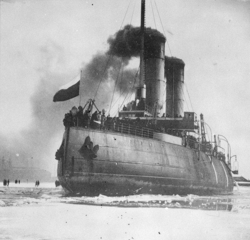 Первый в мире ледокол Ермак