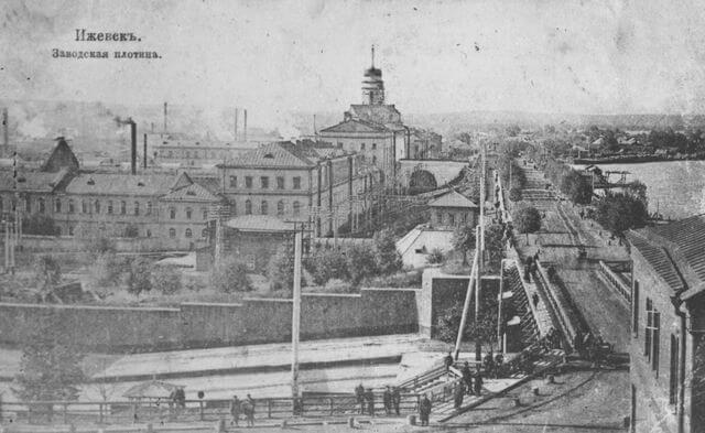 1760 - Основание Ижевска. Начало строительства плотины Ижевского пруда.