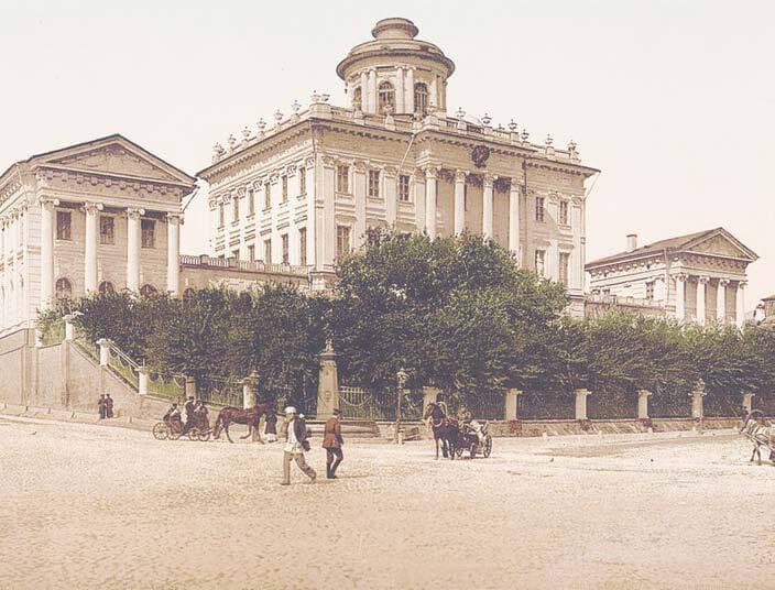 1828 - Подписан Императорский указ о создании на основе коллекций канцлера Н.П. Румянцева Румянцевского музея.