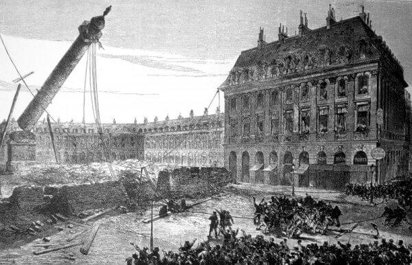 1871 - Парижская коммуна приняла декрет о низвержении Вандомской колонны. Вандомская колонна была воздвигнута в честь побед Наполеона I