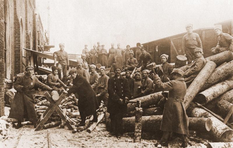 1919 год. Коммунистический субботник. Заготовка дров