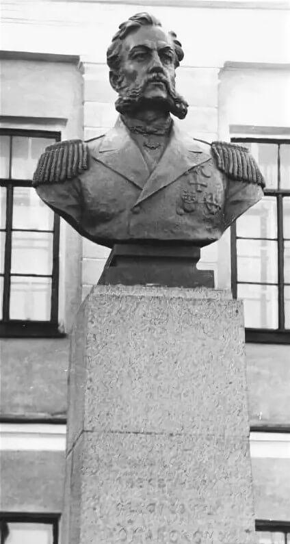 1958 - Открыт памятник А.Ф. Можайскому.