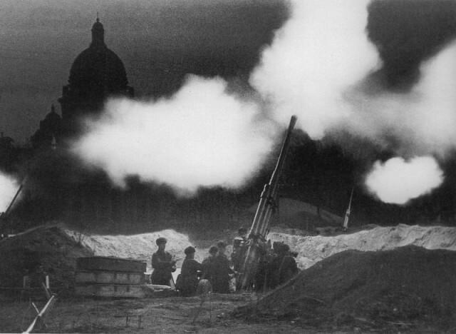 4 апреля 1942 года отбиты налеты противника