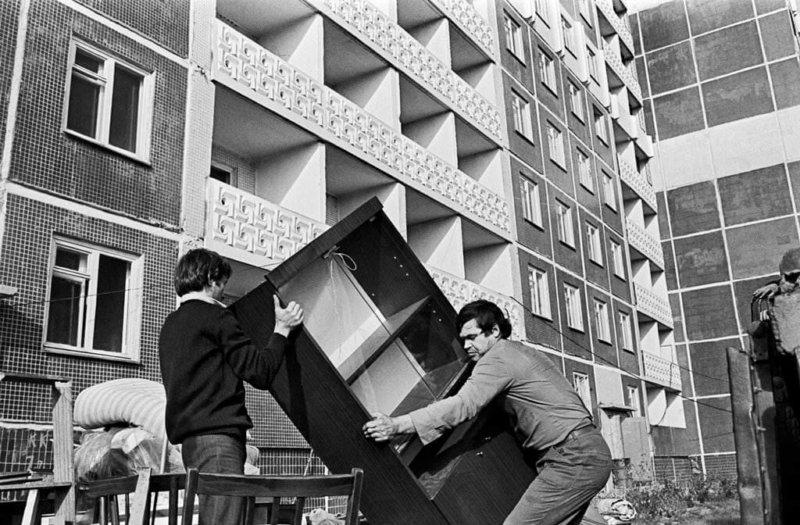 17 апреля 1986 года принято постановление ЦК КПСС