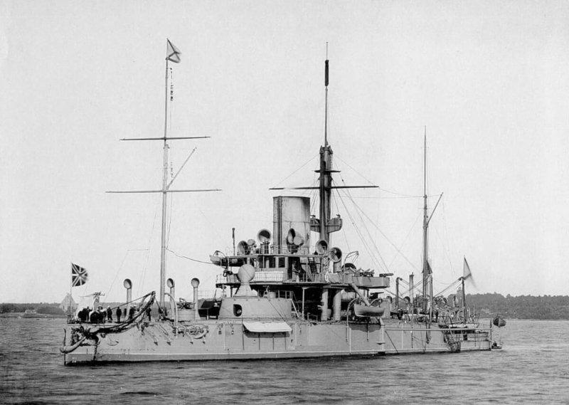1869 - В Санкт-Петербурге На Адмиралтейском заводе заложен первый в мире брустверно-башенный корабль