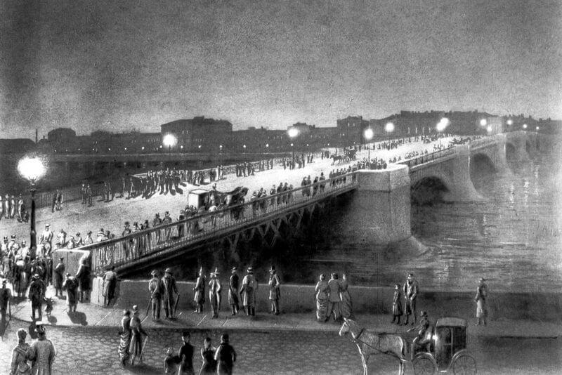 1879 - В шесть часов вечера на Литейном мосту в Санкт-Петербурге зажглись электрические фонари