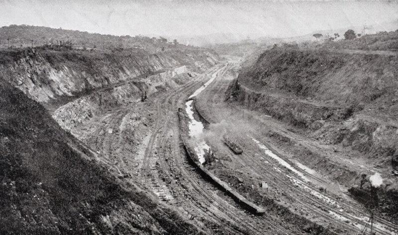1904 - Началось строительство Панамского канала