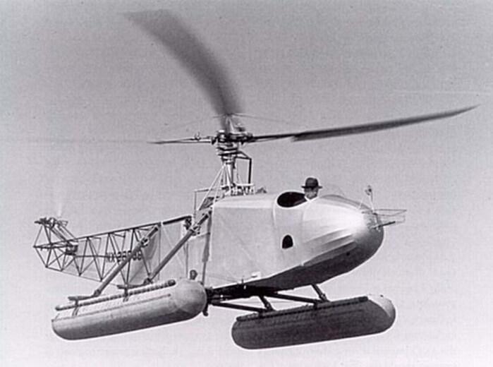1941 - Авиаконструктор Игорь Сикорский продемонстрировал ошеломленной американской публике первый в мире вертолет-амфибию