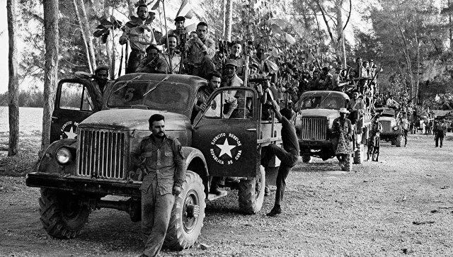 1961 - На рассвете в районе Плайя-Хирон, на побережье кубинского залива Кочинос (Свиней)