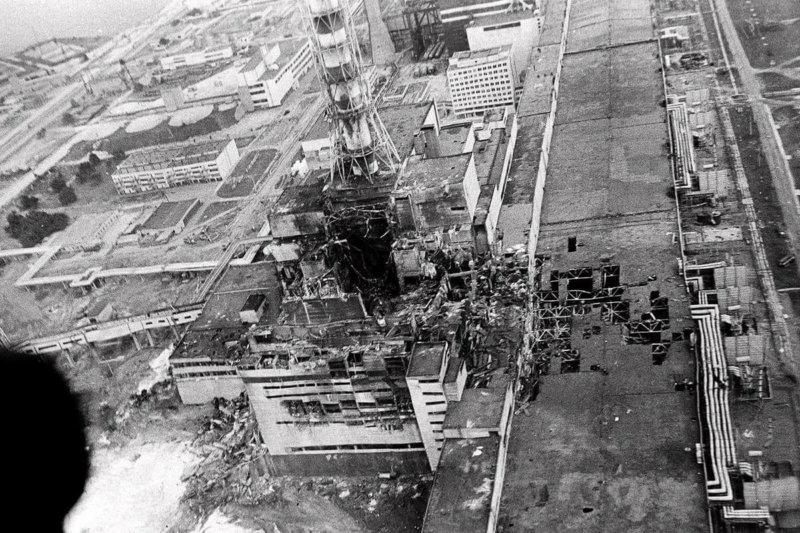 1986 - В ночь на 26 апреля на 4-м энергоблоке Чернобыльской АЭС