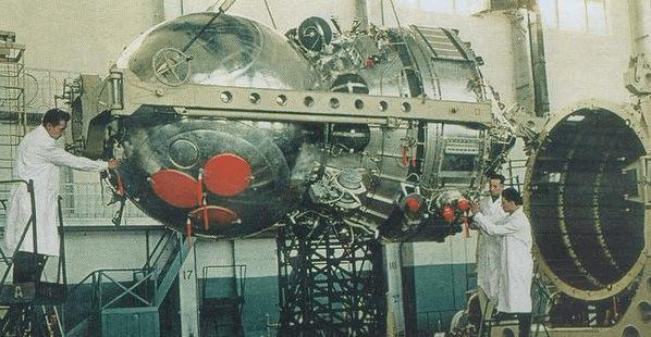 26 апреля 1962 года первый советский разведывательный спутник