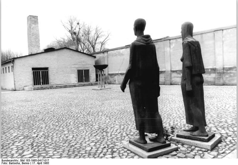 30 апреля 1945 года Советскими войсками освобождены узницы крупнейшего женского концентрационного лагеря