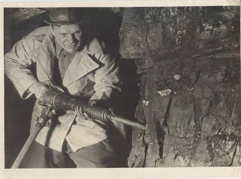 11 мая 1932 года в «Правде» опубликован призыв донецкого шахтёра Изотова