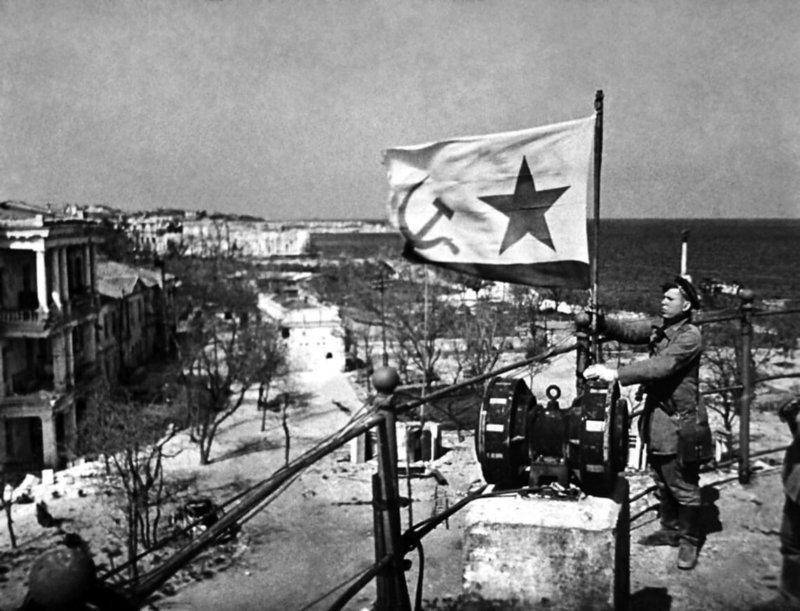 12 мая 1944 года освобожден Крым!
