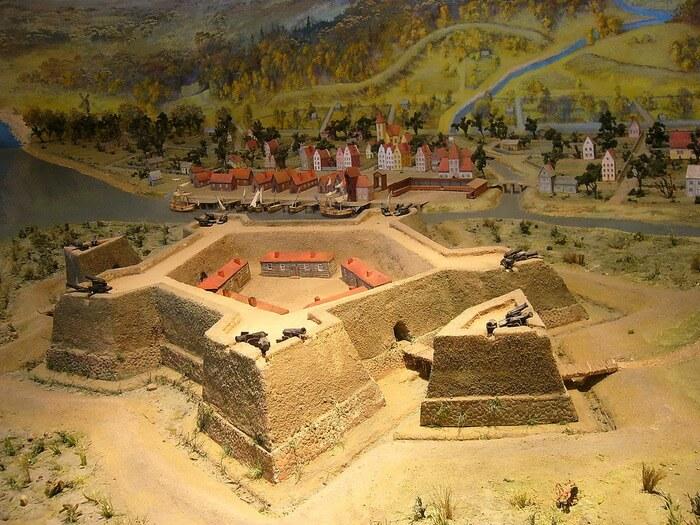 1703 - На рассвете после девятичасовой бомбардировки шведы сдали русским войскам крепость Ниеншанц, стоявшую в устье реки Охты.