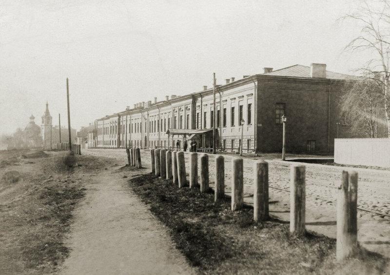 1744 - Основана Порцелиновая мануфактура