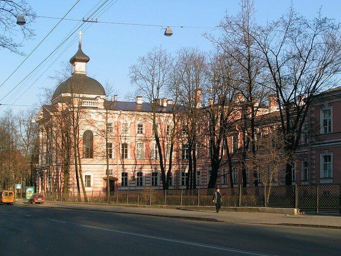 1885 - В Петербурге торжественно открыт Клинический институт великой княгини Елены Павловны (Кирочная улица, 41)