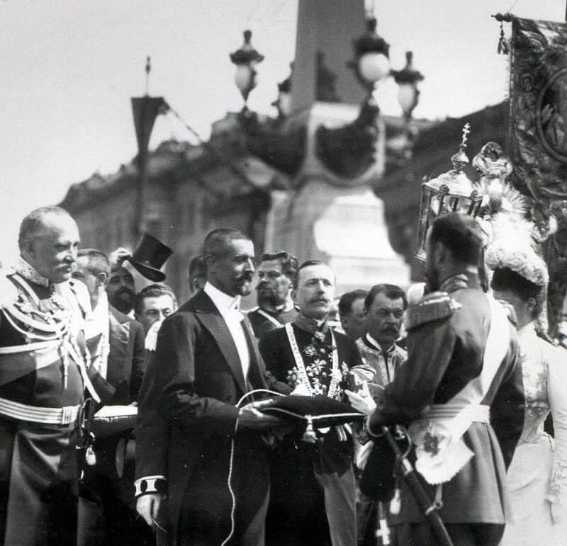 1903 - В Петербурге торжественно открыт Троицкий мост через Неву