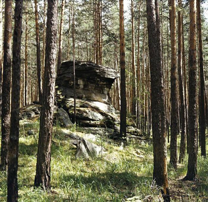 1920 - Декретом Совнаркома РСФСР, подписанным В.И. Лениным, основан Ильменский государственный минералогический заповедник
