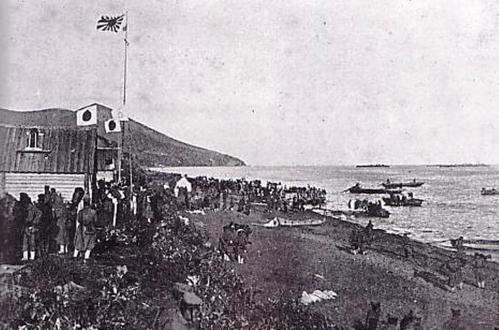 1925 - Япония передала СССР северную часть Сахалина.