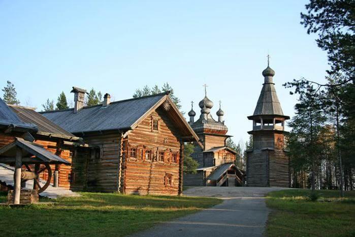 1973 - Открыт Архангельский Музей Малые Карелы- крупнейший в России музей деревянного зодчества под открытым небом.