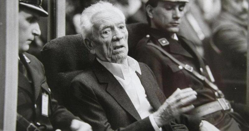1986 - 87-летний военный преступник Андрей Артукович приговорён югославским судом к смертной казни – расстрелу.