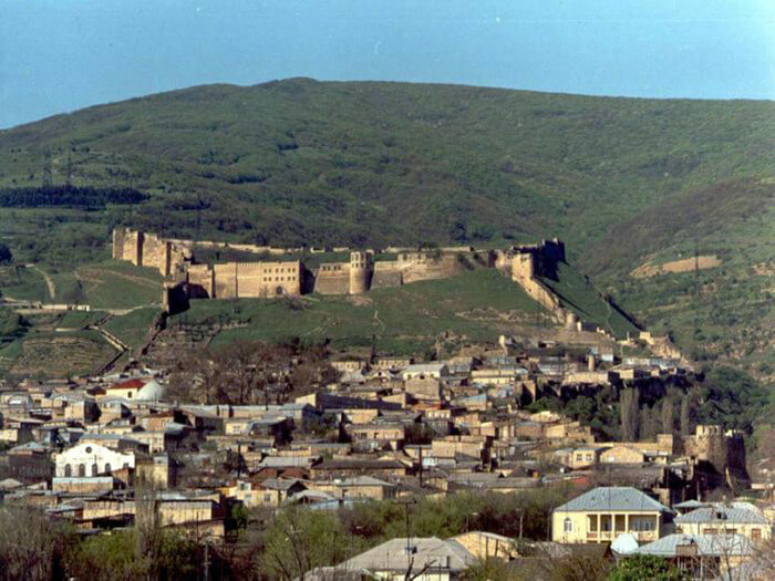 1988 – Открыт Государственный историко-архитектурный и художественный музей