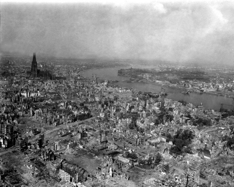 2 мая 1942 года более тысячи самолётов Королевских ВВС Великобритании совершили бомбардировку Кёльна