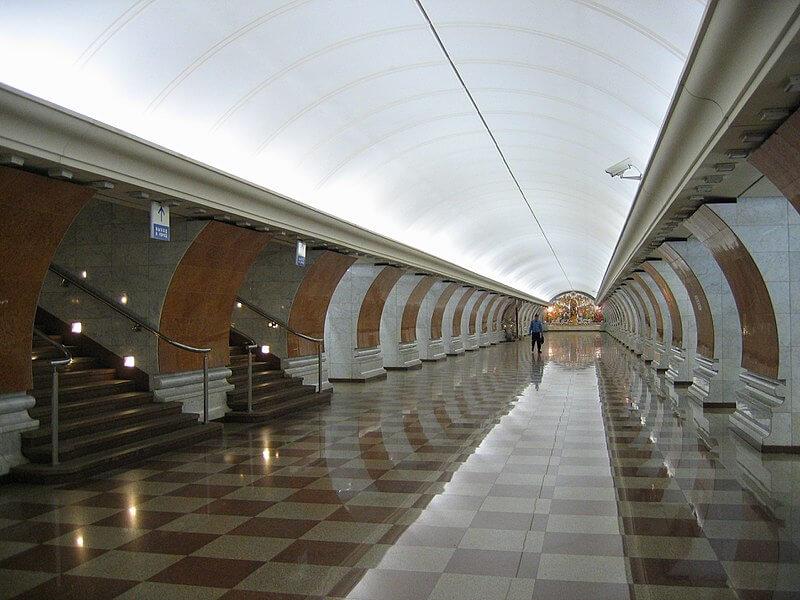 2003 - Открыта новая станция московского метрополитена Парк Победы