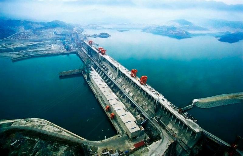 2003 - В китайской провинции Хубэй с крупнейшей в мире ГЭС