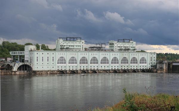 26 мая 1918 года Советское правительство объявило о плане строительства Волховской ГЭС