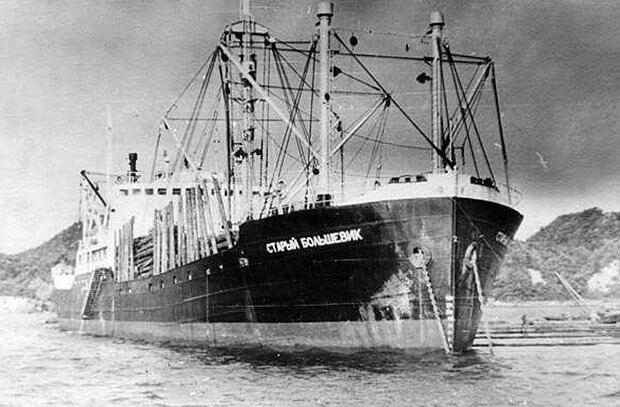 27 мая 1942 года советский пароход
