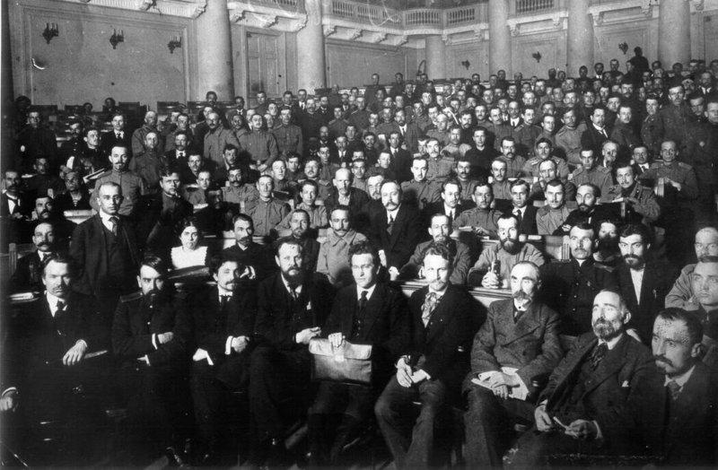 3 июня 1917 года был открыт I Всероссийский съезд Советов рабочих и солдатских депутатов