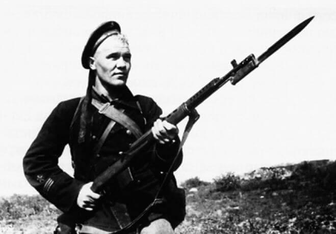 7 июня 1942 года армия Манштейна начала 3-й штурм Севастополя