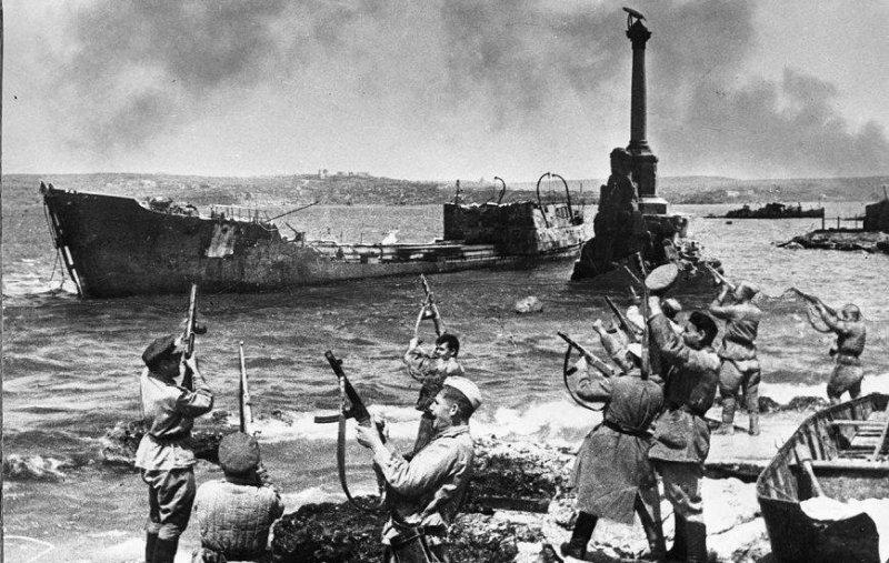 9 мая 1944 годабыл освобожден город Севастополь
