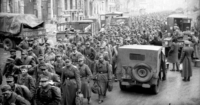 Бесконечные колонны немецких пленных… 14 мая 1945 года сообщение Совинформбюро с 9 по 14 мая на всех фронтах взято более 1,23 млн пленных (в т.ч. 101 генерал)