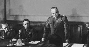 Г.К. Жуков зачитывает акт капитуляции в Карлсхорсте