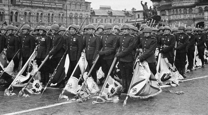 10 июня 1945 года при подготовке Парада Победы сформирована трофейная рота