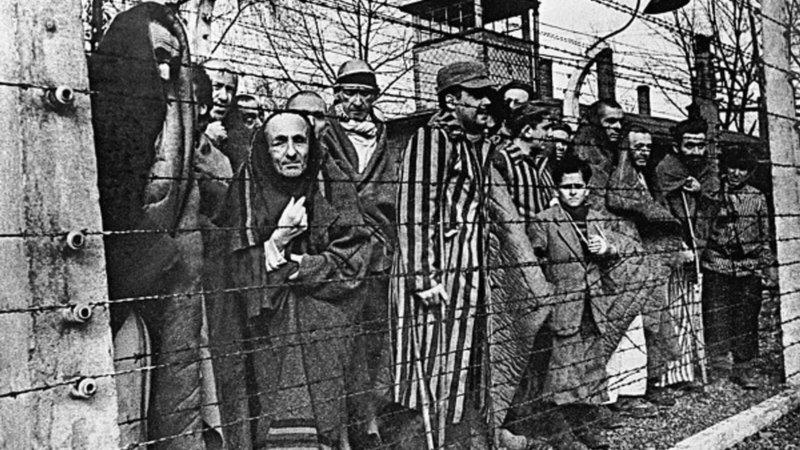 14 июня 1940 года в концлагерь Освенцим была доставлена первая партия заключенных – свыше 700 поляков.