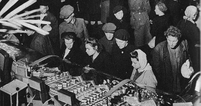 15 июня 1945 года в Будапеште подписано соглашение между правительством СССР и Временным национальным правительством Венгрии