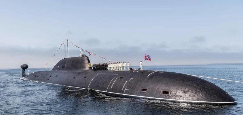 16 июня 1984 года на заводе им. Ленинского комсомола спущена на воду головная многоцелевая атомная подводная лодка