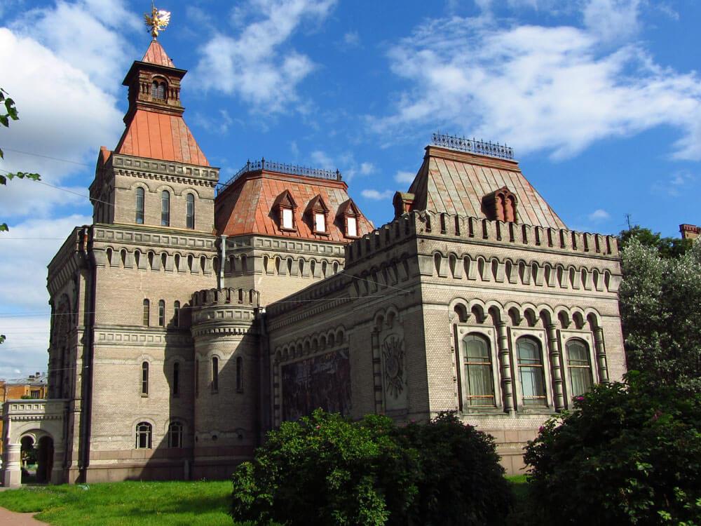 1901 - В Санкт-Петербурге распоряжением императора Николая II основан Музей А.В. Суворова
