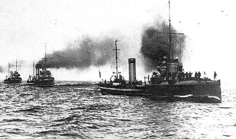 1 августа 1916 года из отряда кораблей обороны Кольского залива и Архангельского района началось формирование флотилии Северного Ледовитого океана