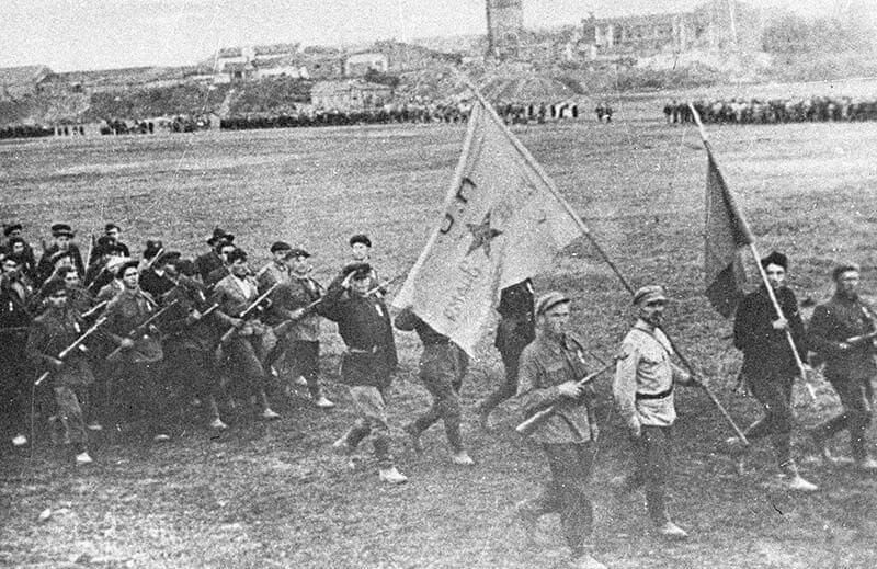 16 июля 1944 года на поле бывшего ипподрома в освобожденном Минске состоялся парад партизанских соединений Белоруссии