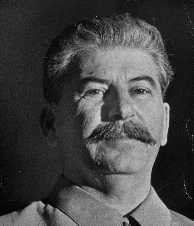 18 июля 1941 Сталин в первый раз призвал Черчилля открыть второй фронт на севере Франции и в Норвегии