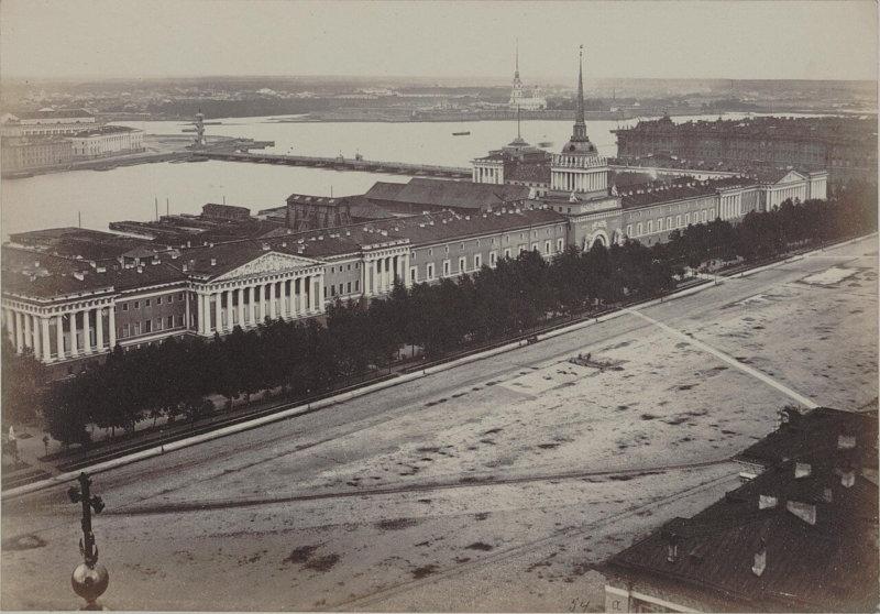 1874 - Открыт сад у Адмиралтейства, устроенный по проекту ботаника Э.Л