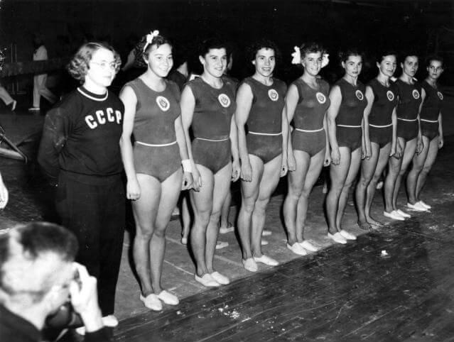 19 июля 1952 открыты XV Олимпийские игры