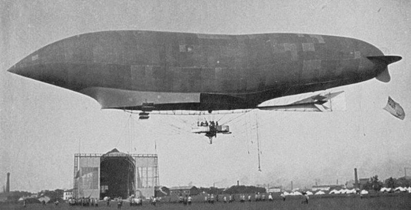 1910 - В небе Петербурга впервые появился дирижабль